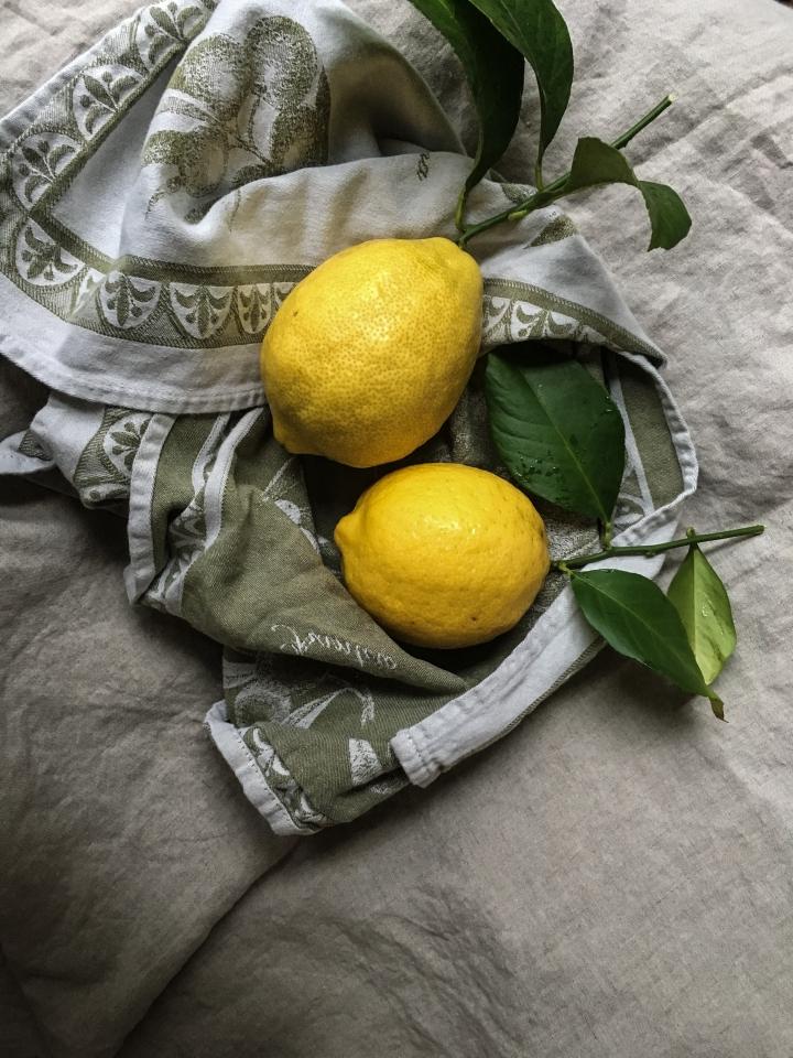 Lemon tart towel