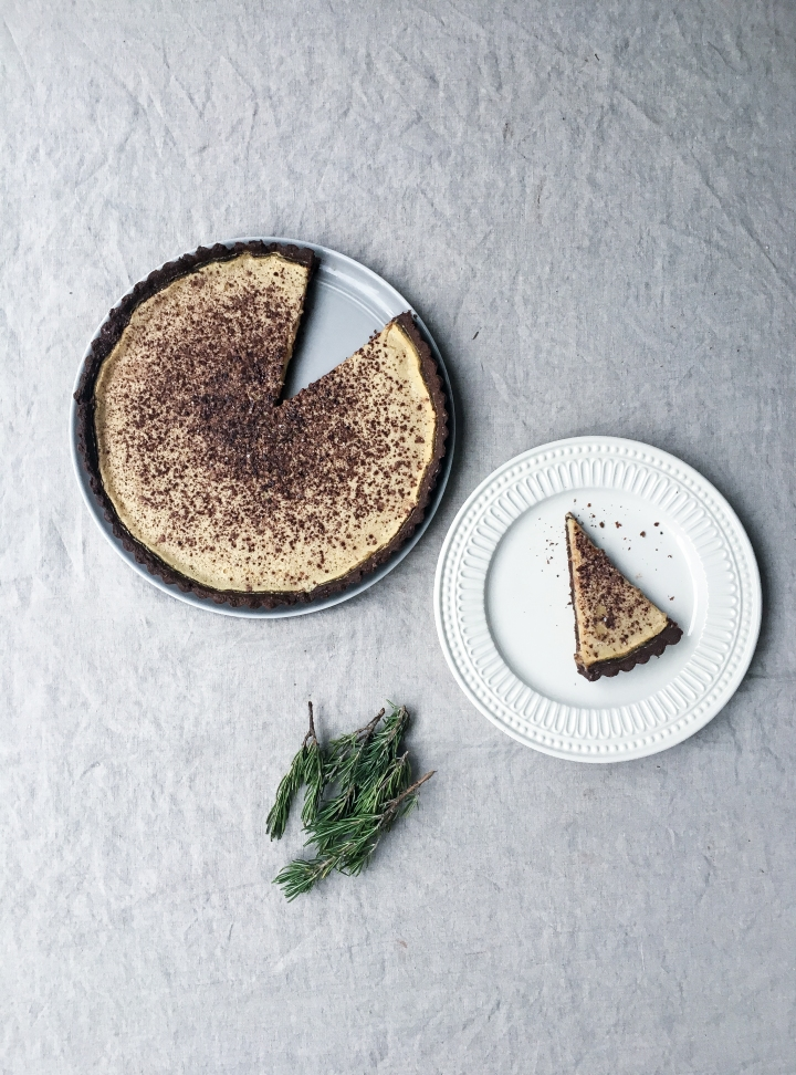 whole tart and piece